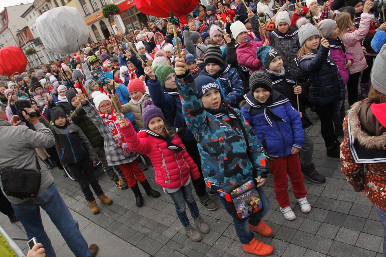 Dzieci i młodzież dla naszej Niepodległej. W Pucku już dziś bić będą kolejny rekord Polski