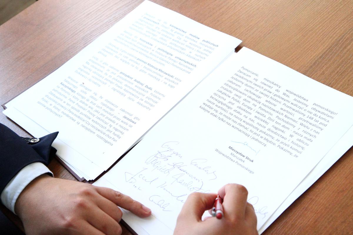 Podpisy pod listem otwartym marszałka Mieczysława Struka