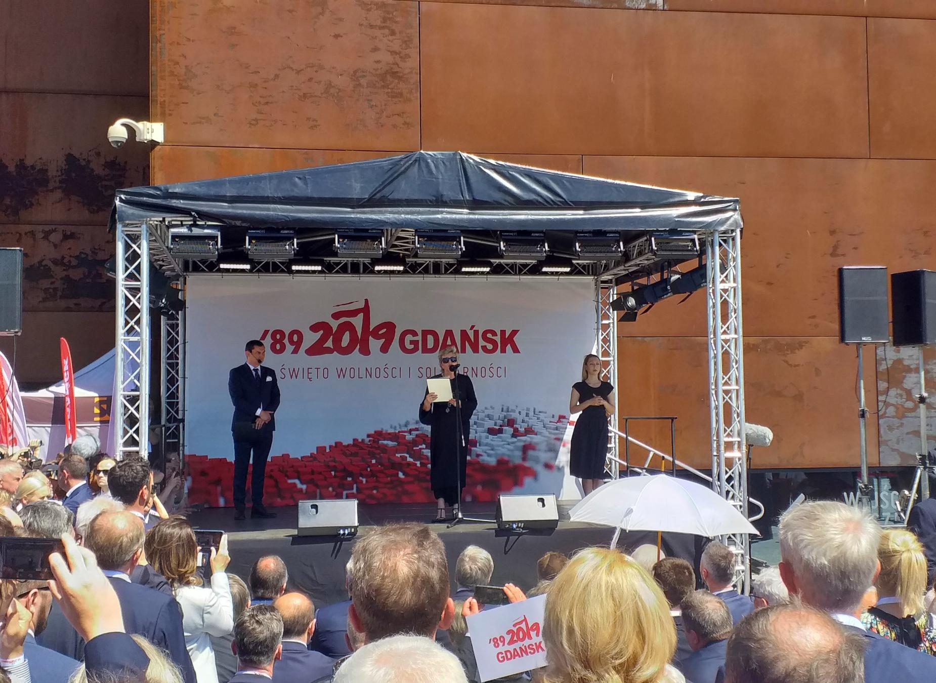 Uroczyste podniesienie flagi, koncert carillonowy i debata online. 4 czerwca świętujmy rocznicę częściowo wolnych wyborów