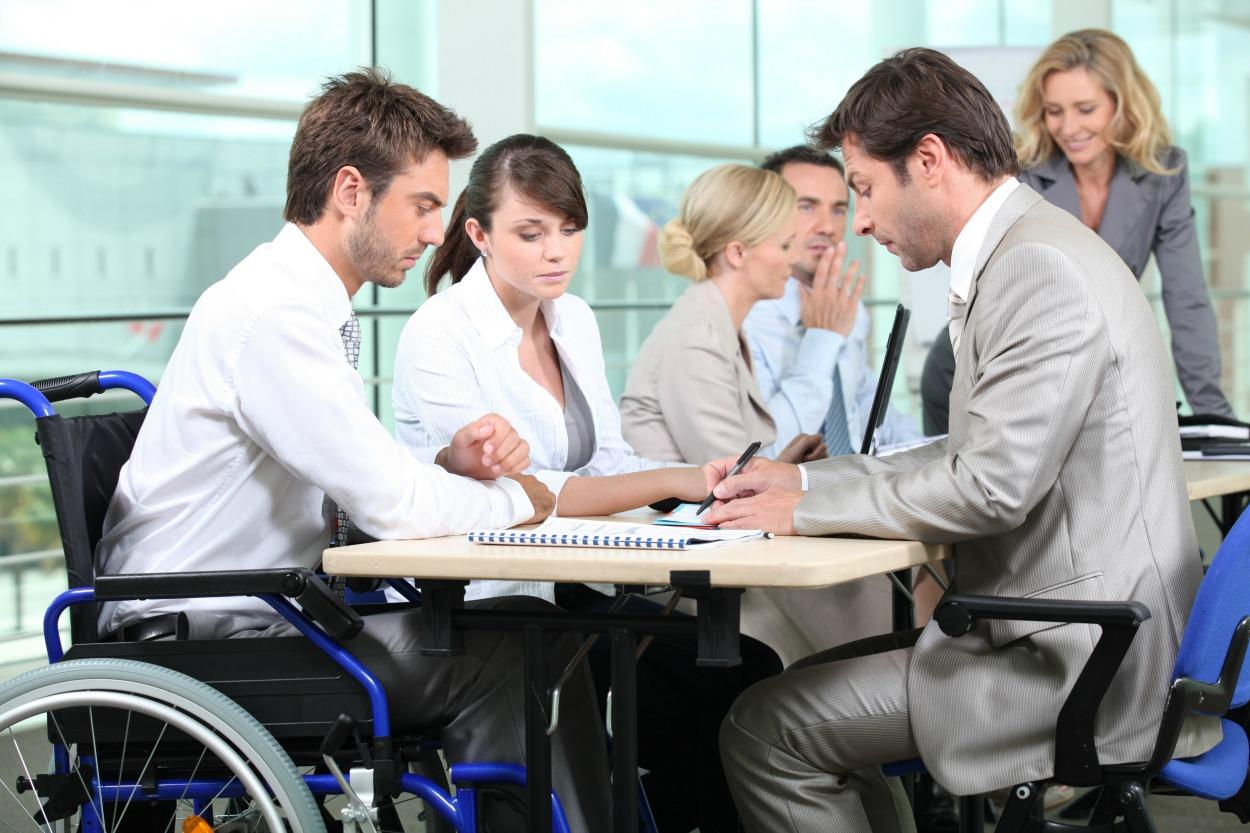 Jesteś na wypowiedzeniu lub grozi Ci zwolnienie z pracy? Zdobądź nowe kwalifikacje i znajdź zatrudnienie