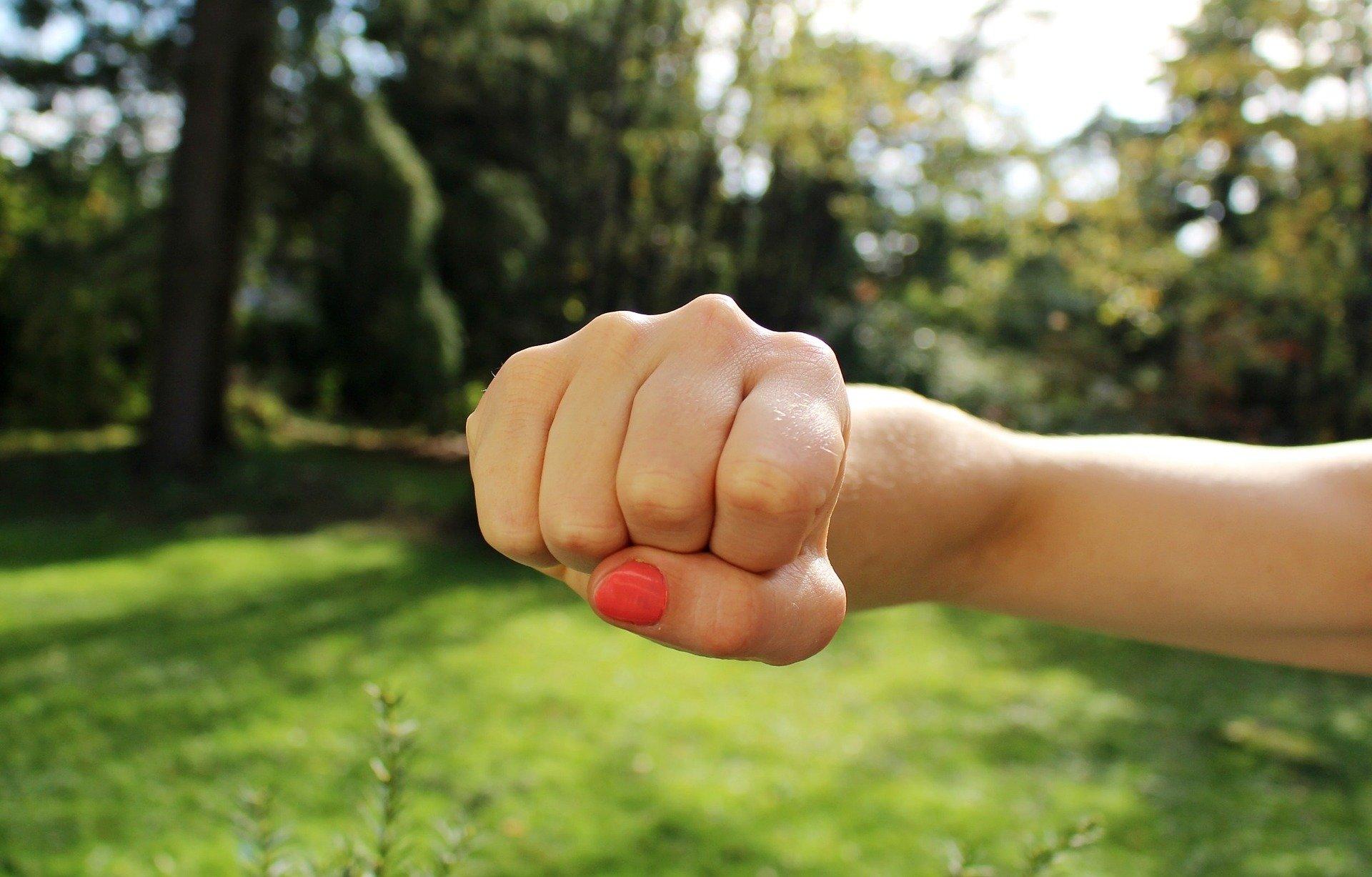 Natychmiastowa izolacja osób stosujących przemoc w rodzinie – nowe regulacje prawne [INFORMACJA]