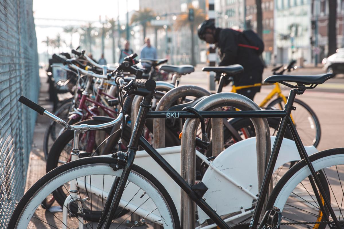 Do pracy w Gdyni jeździsz rowerem? Zgłoś się do konkursu i wygrywaj rowerowe śniadania oraz gadżety