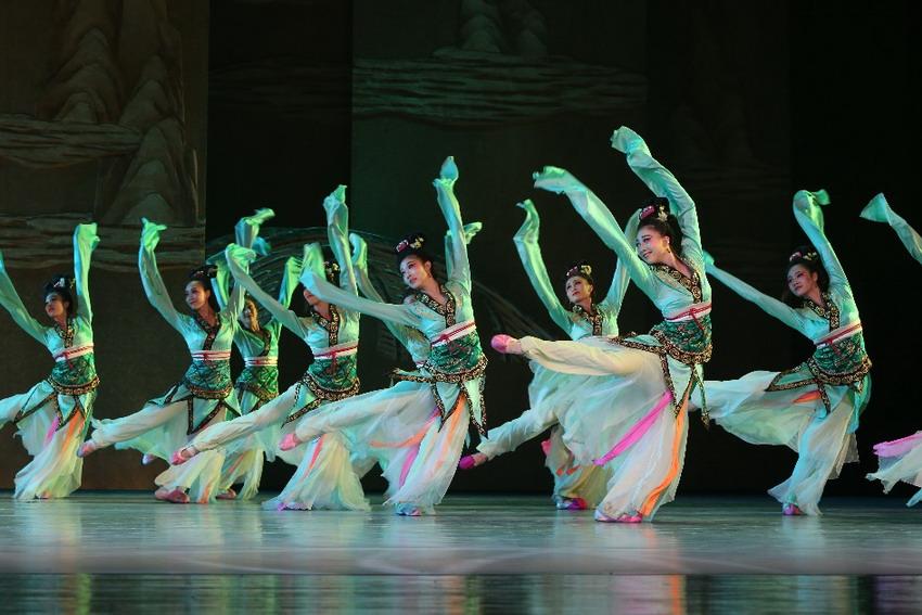 Tanecznym krokiem w chiński Nowy Rok. Mistrzowie tańca z Pekinu wystąpią w Szekspirowskim
