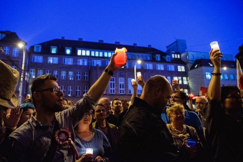 Sejm przyjął ustawę o Sądzie Najwyższym. Protesty przed sądami na całym Pomorzu [WIDEO]