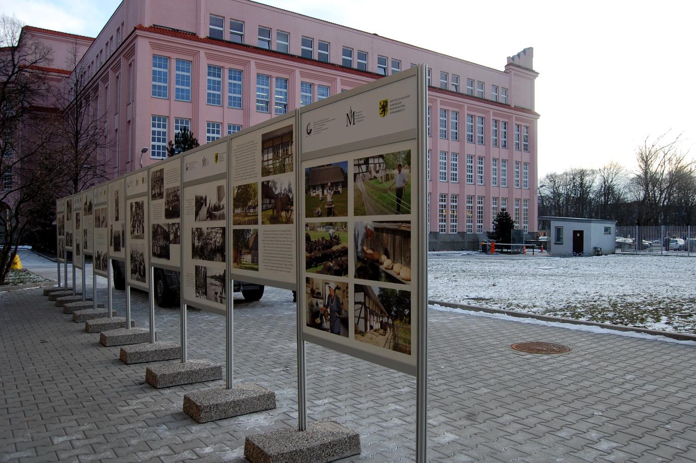Ostatki Słowian na południowym brzegu Morza Bałtyckiego. Wystawa z Kluk w Warszawie