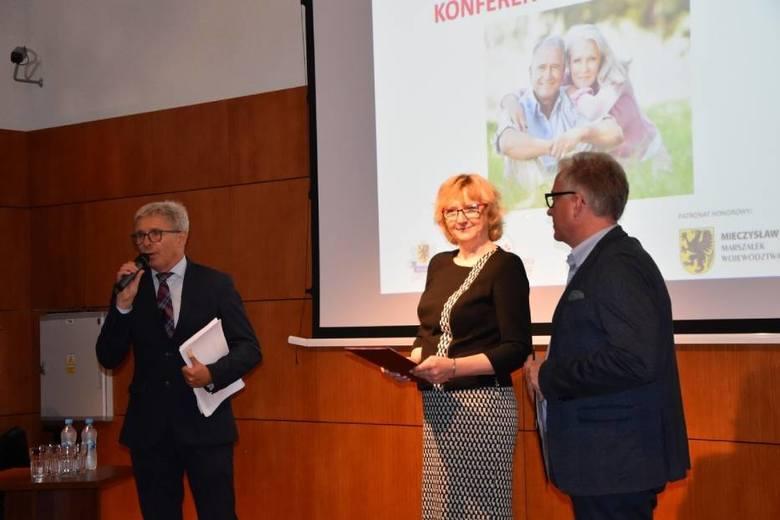 Bezpłatna konferencja dla seniorów w Wejherowie. Wykłady na temat zdrowia, finansów, bezpieczeństwa i aktywności. RELACJA