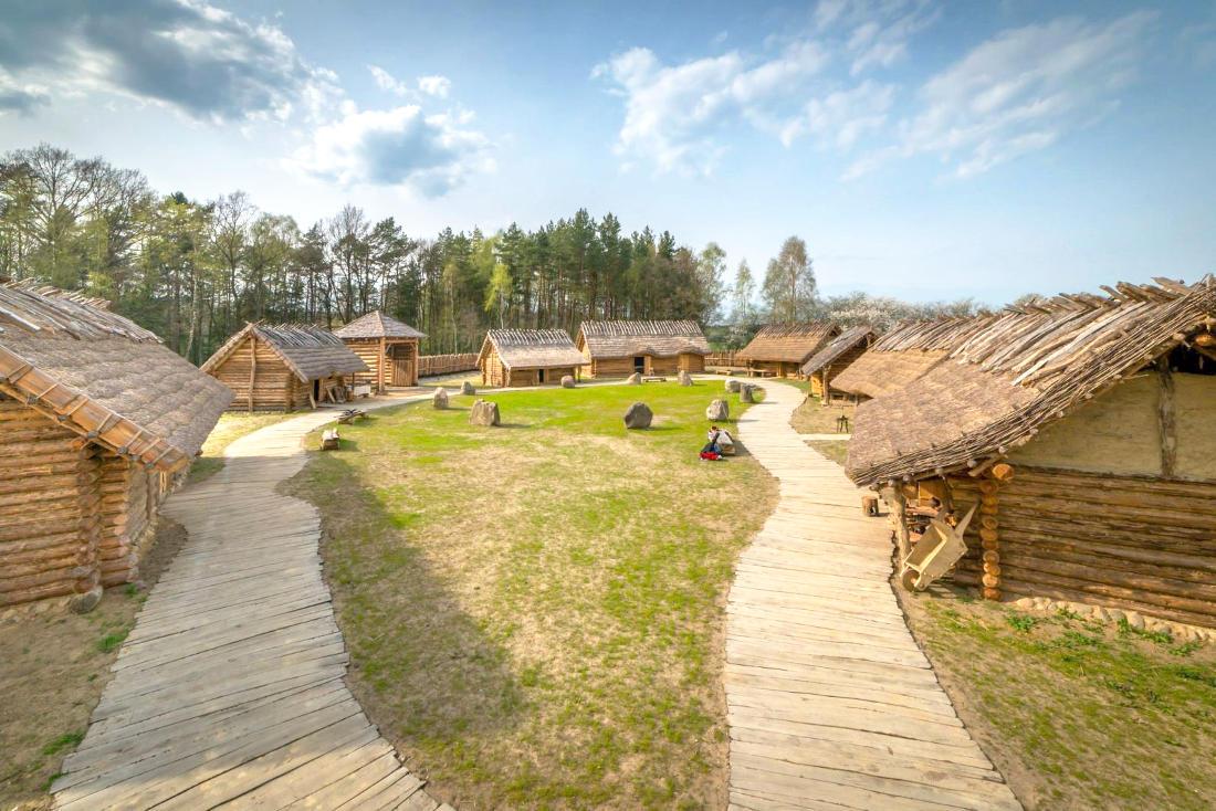 Zostań średniowiecznym rzemieślnikiem. Dni Otwarte Funduszy Europejskich w słowiańskiej osadzie w Sławutowie