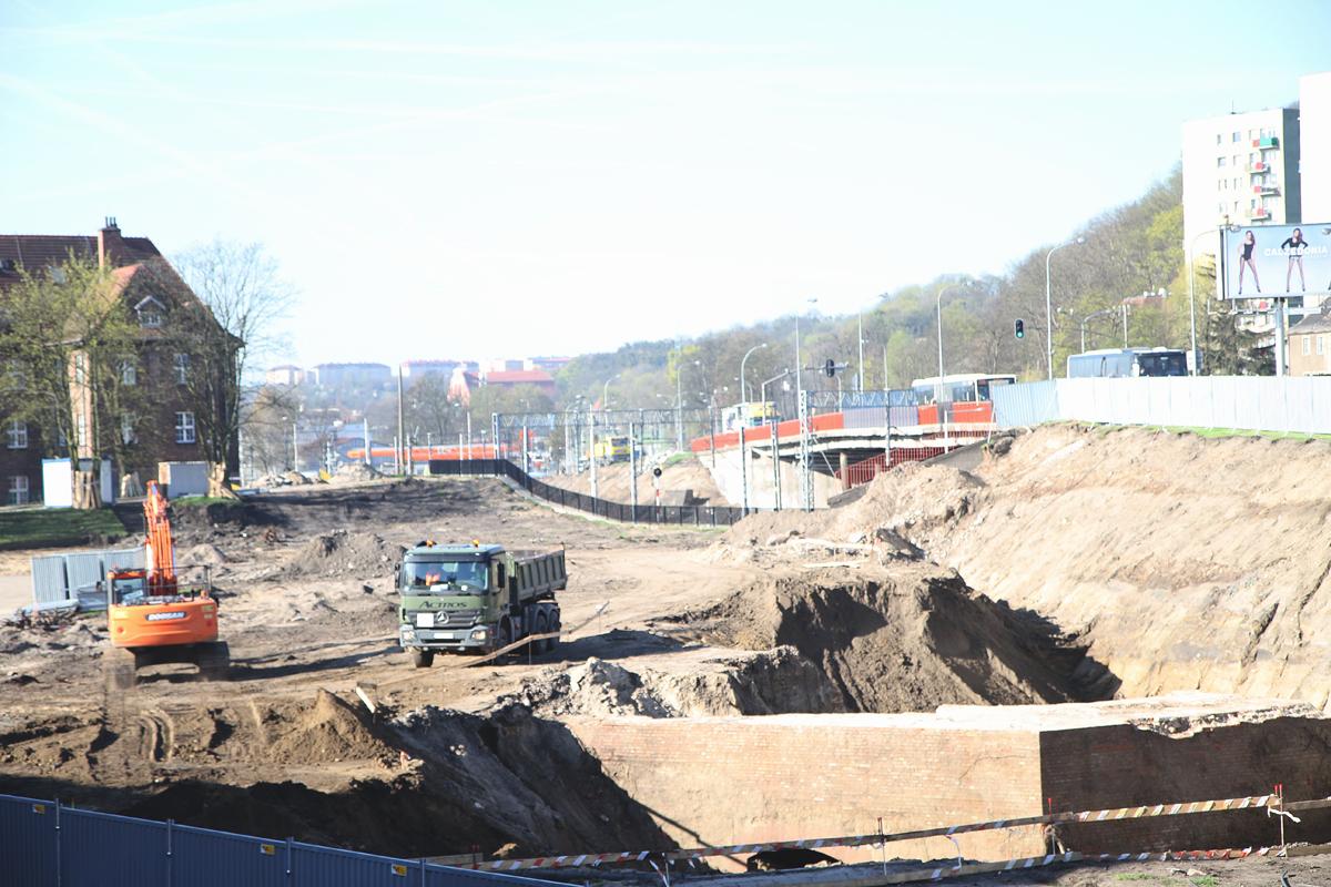 Historyczne odkrycie na budowie parkingu przy Okopowej w Gdańsku. Archeolodzy natrafili na bastion z XVII wieku