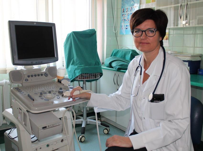 Światowy Dzień Osteoporozy. Czy można uniknąć tej choroby? Dlaczego kobiety częściej na nią chorują?