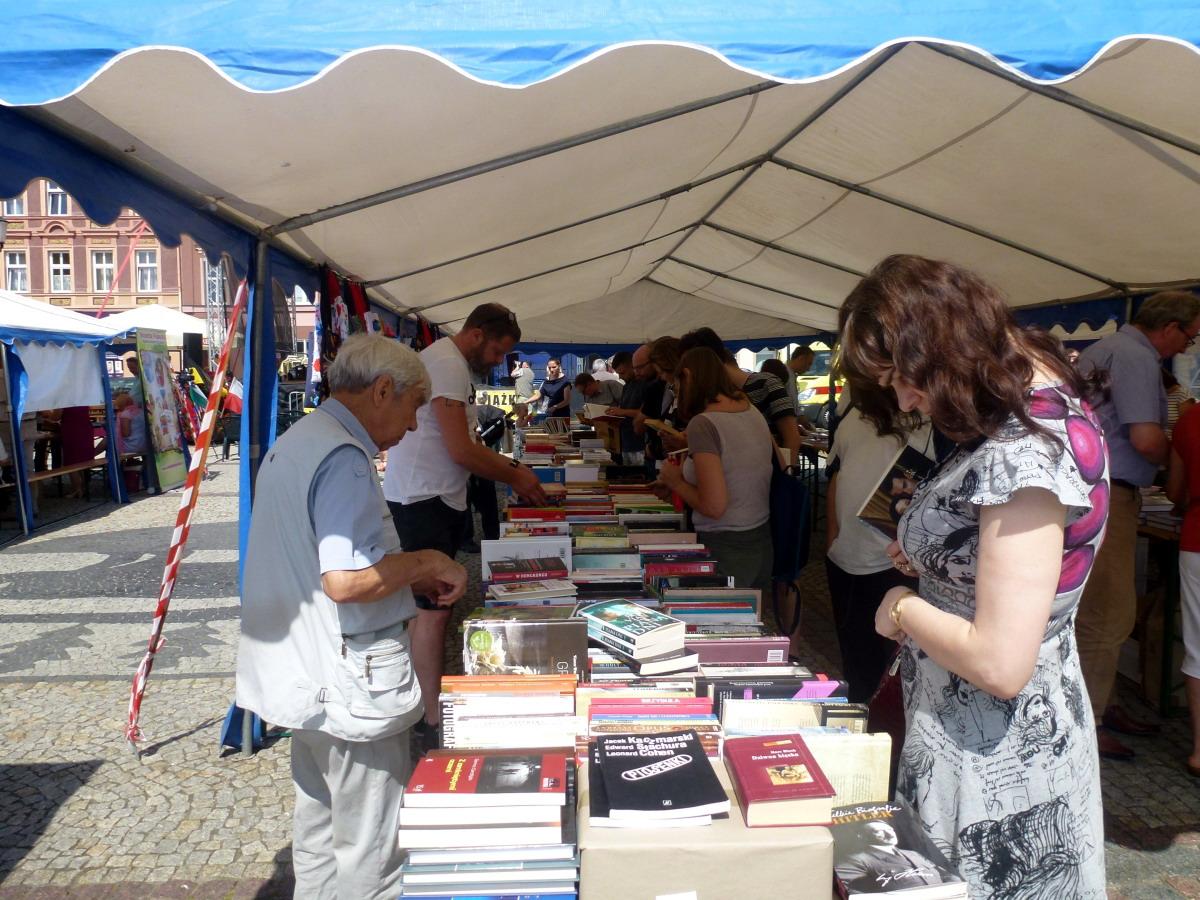 82 zgłoszone książki i ponad 40 wystawców. Jubileuszowe Kościerskie Targi Książki Kaszubskiej i Pomorskiej Costerina