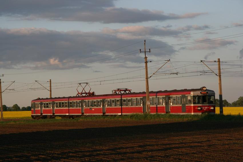 Pociąg EN57