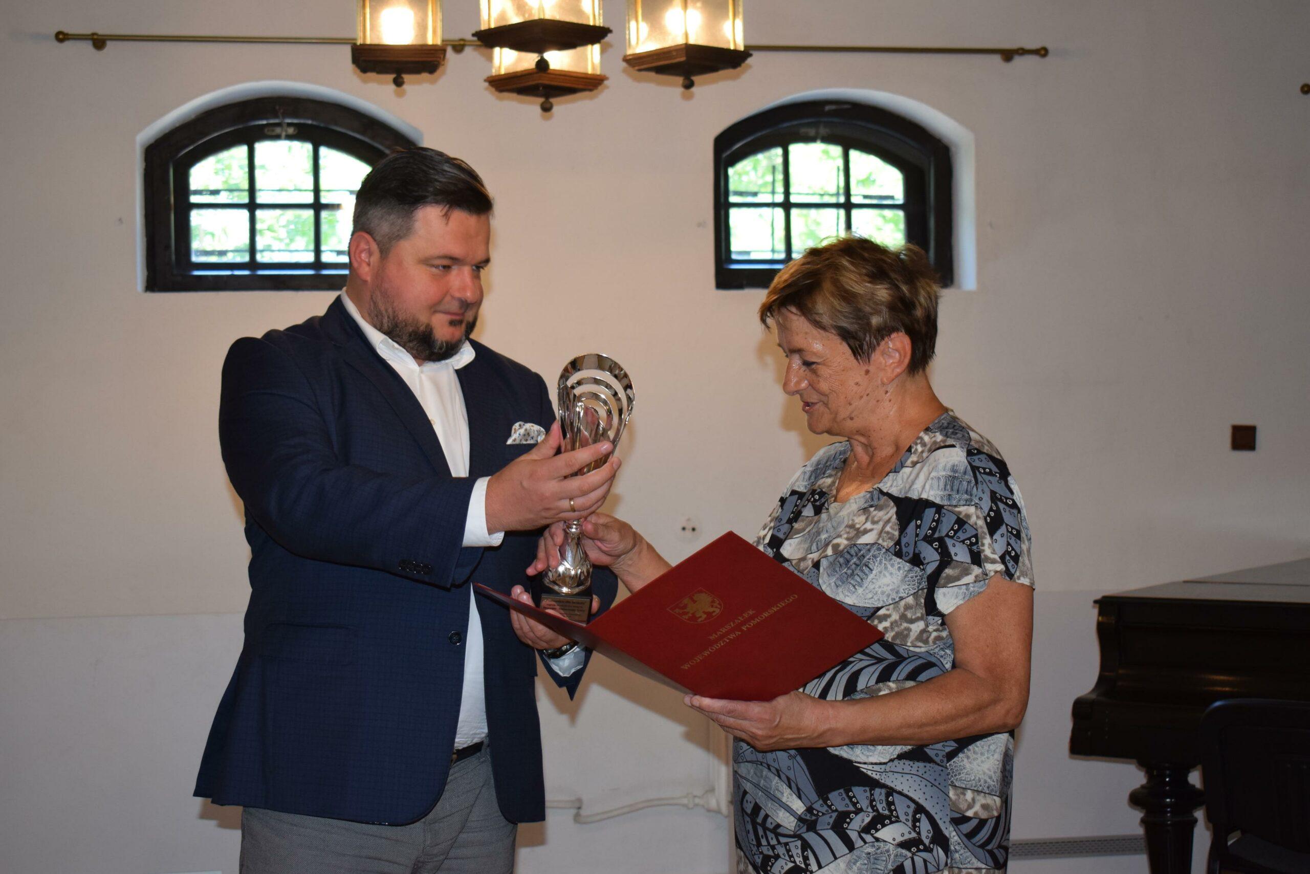 """Nagroda """"Pomorskie dla Seniora"""" dla seniorki ze Skarszew"""