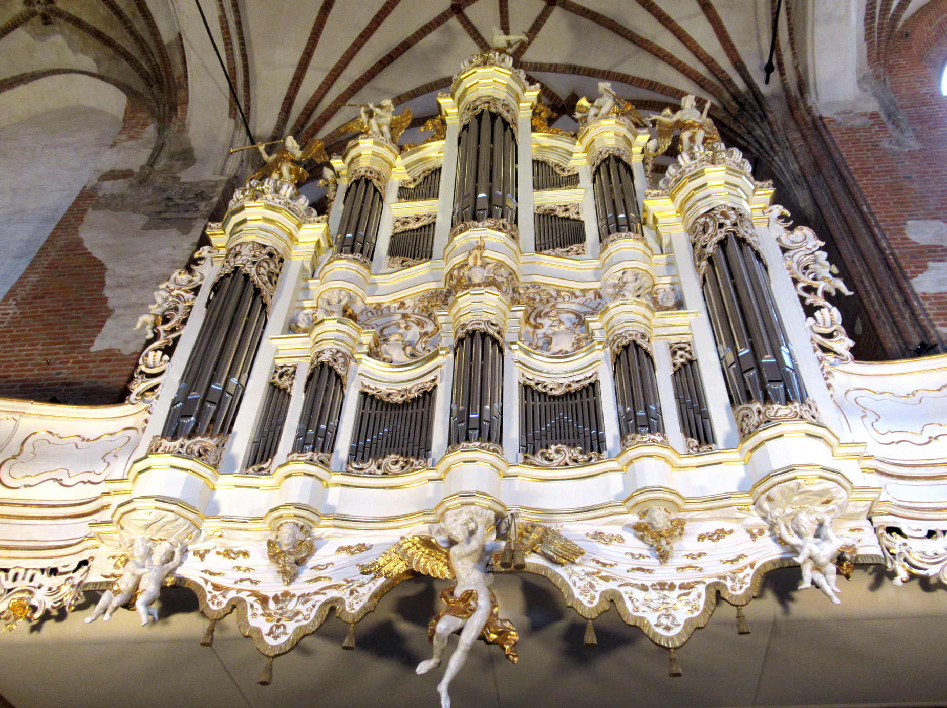 Są takie, jak w XVIII wieku.  Z organów Rhodego w kościele św. Jana w Gdańsku znów płynie muzyka