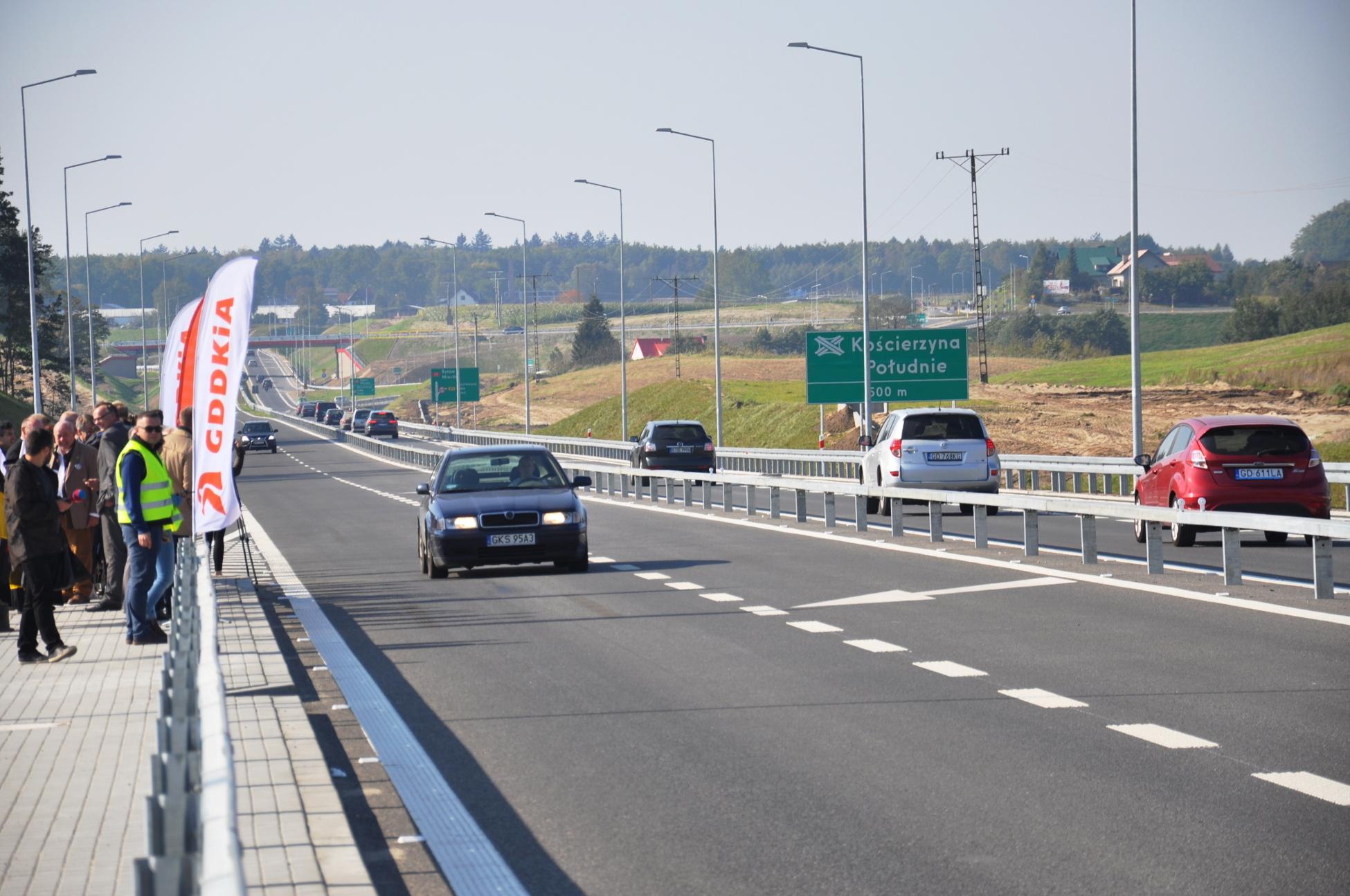 Nareszcie koniec korków w Kościerzynie. Kierowcy czekali prawie 3 lata, by od 1 października pojechać nową obwodnicą