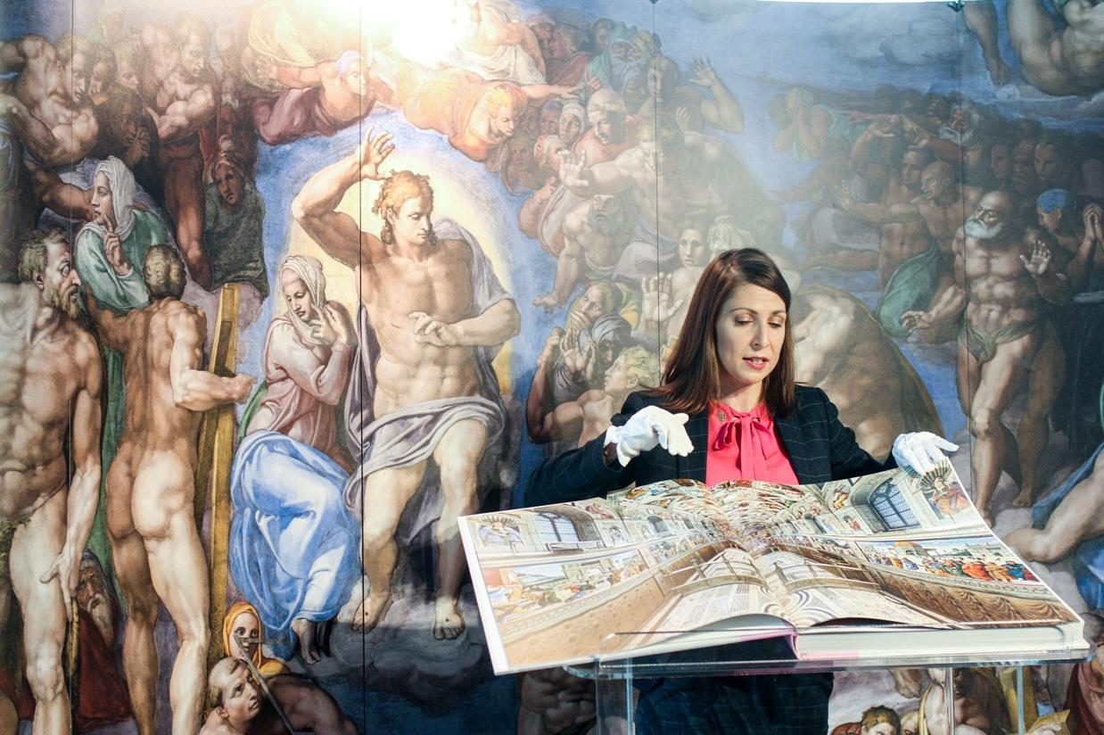Dzieła z Kaplicy Sykstyńskiej na wyciągnięcie ręki. Prezentacja unikatowego albumu