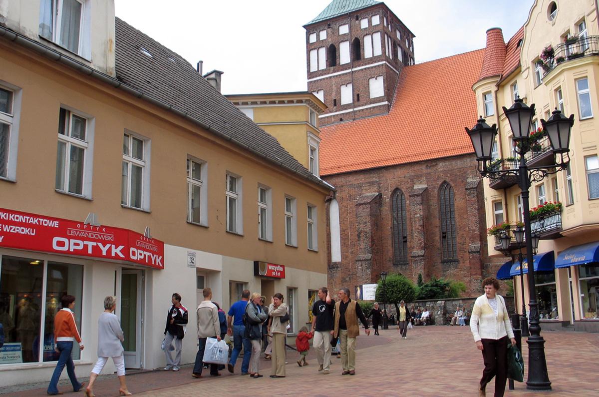 Dofinansowanie rewitalizacji Chojnic, Czerska i Debrzna. Marszałek przekazał decyzje samorządowcom