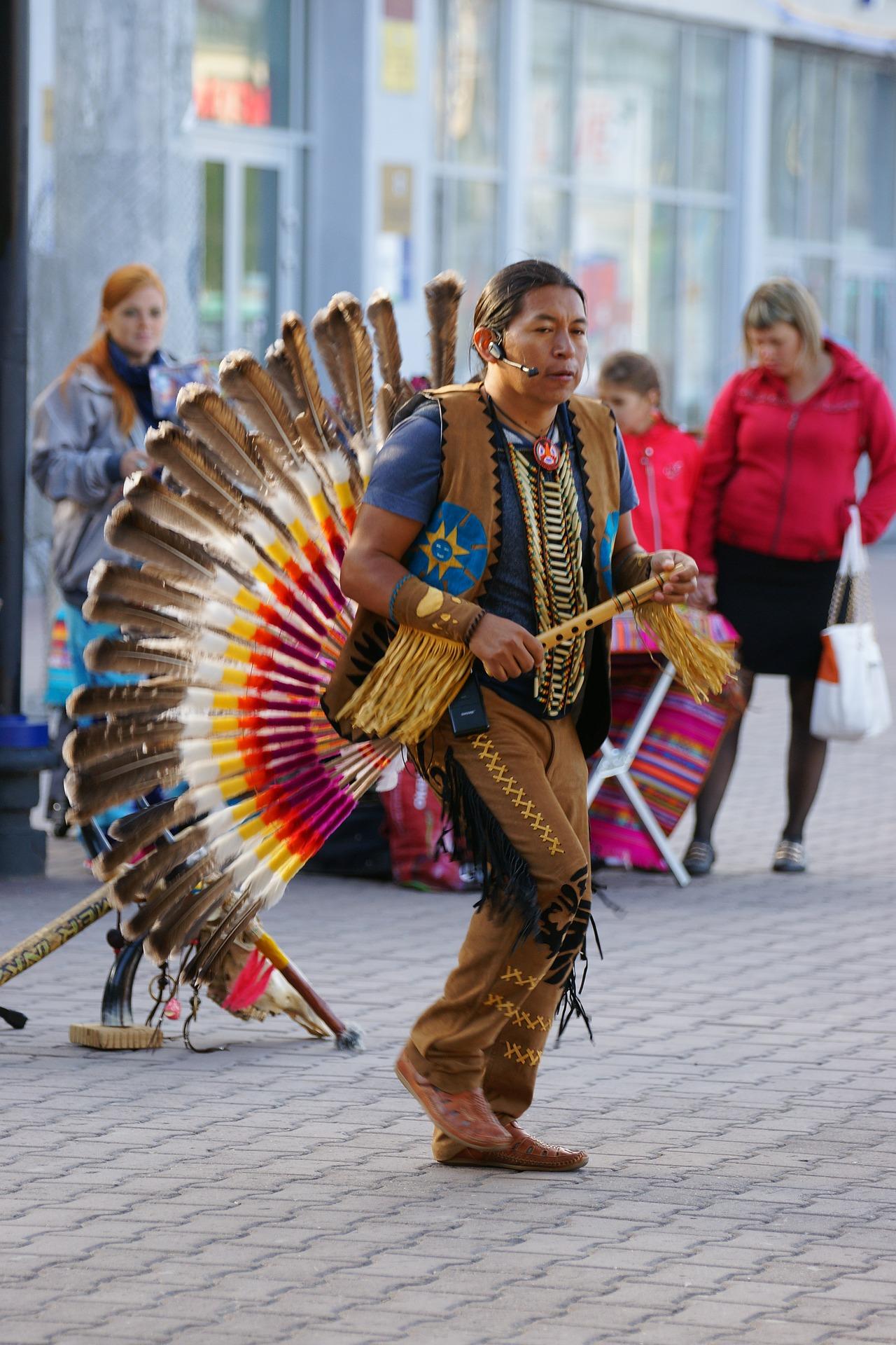 Chcesz poznać przedmioty, jakimi posługiwali się Indianie żyjących w Amazonii?  Zobacz wystawę w Młynie Zamkowym w Słupsku
