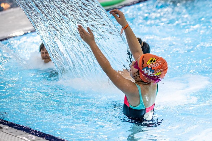 Ferie na pływalni dla uczniów i rodzin. Wstęp już od złotówki