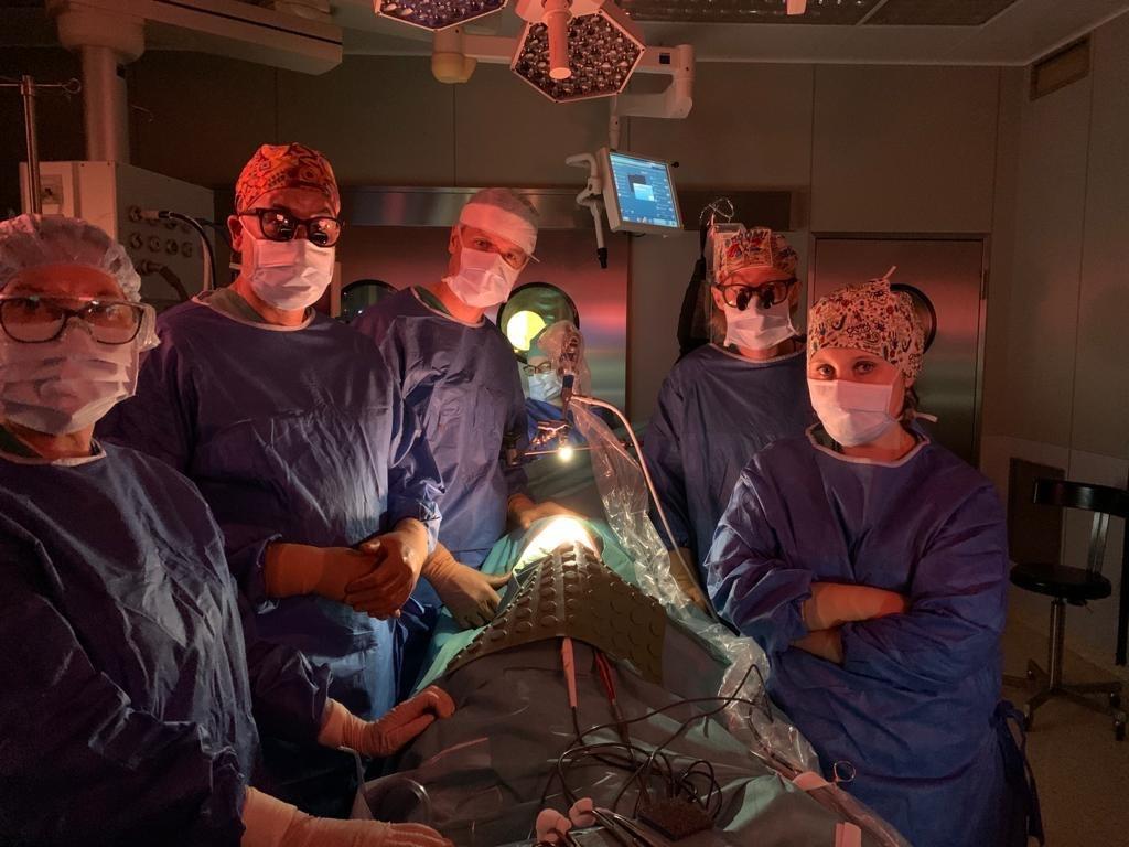 U dziecka z rakiem wątroby usunięto przerzuty do płuc. Zabieg nowatorską metodą, po raz pierwszy w Polsce, przeprowadzono w klinice GUMed