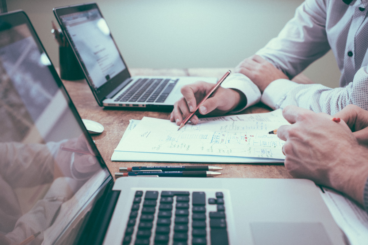 Praca. Nowe zasady wsparcia antykryzysowego z urzędów pracy. Skorzysta więcej przedsiębiorców