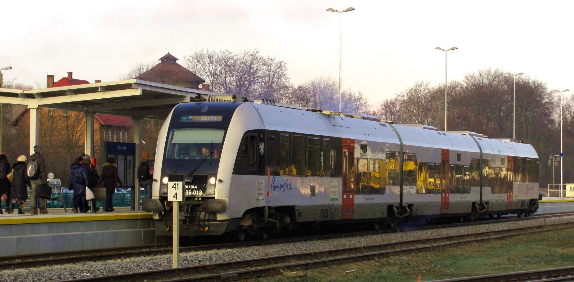 Późny powrót pociągiem z Kartuz do Gdańska? Teraz to żaden problem. Dodatkowe połączenie już od najbliższego weekendu