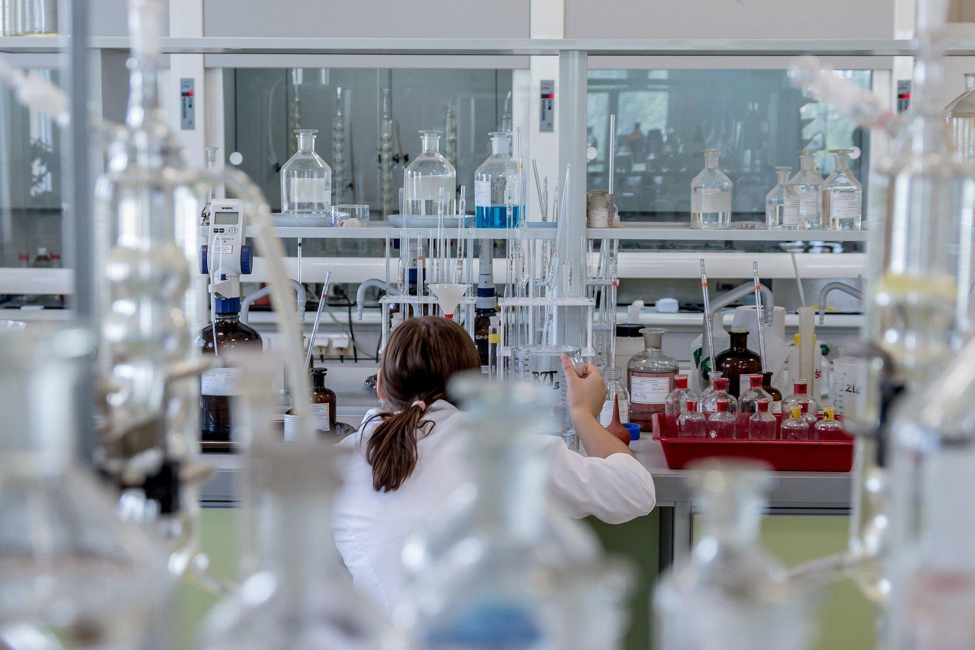 Na Pomorzu wykonuje się coraz więcej testów na SARS CoV-2. Nie oznacza to jednak, że jesteśmy bezpieczni