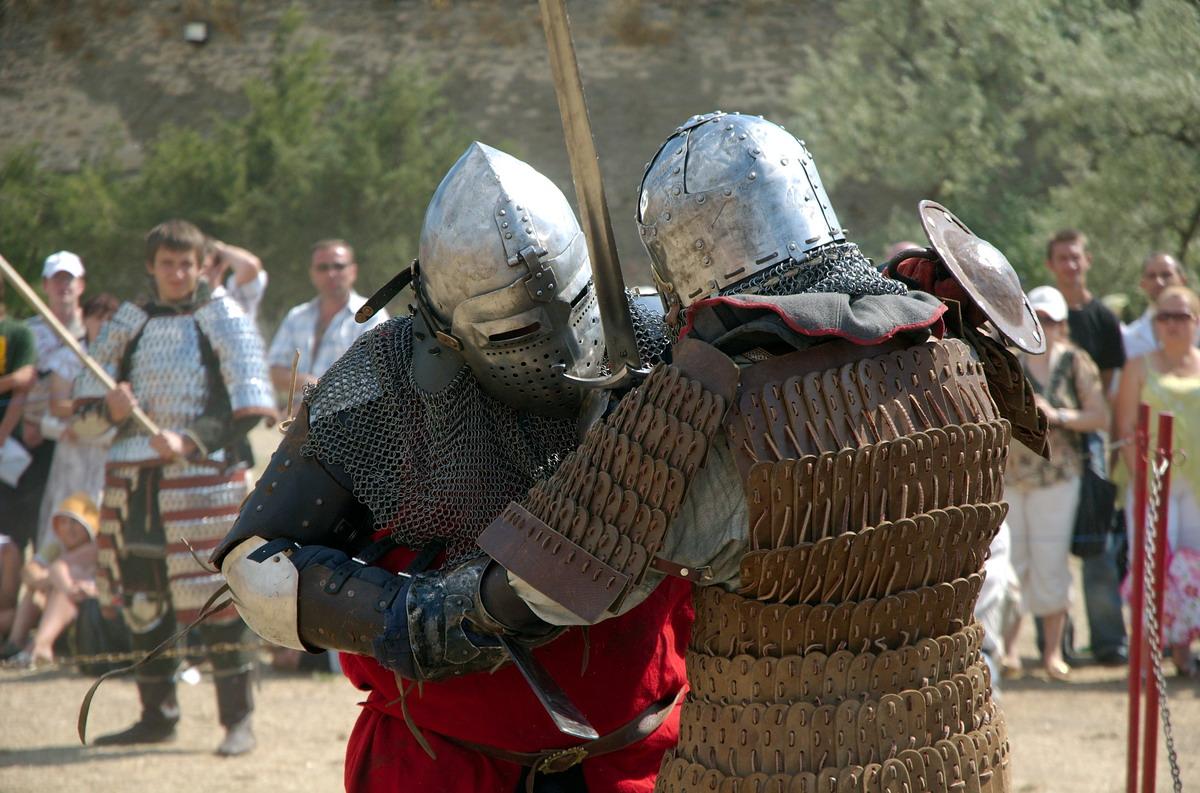 Rycerskie pojedynki, pokazy konne i sokolnicze. Oblężenie twierdzy malborskiej przez wojska króla Jagiełły