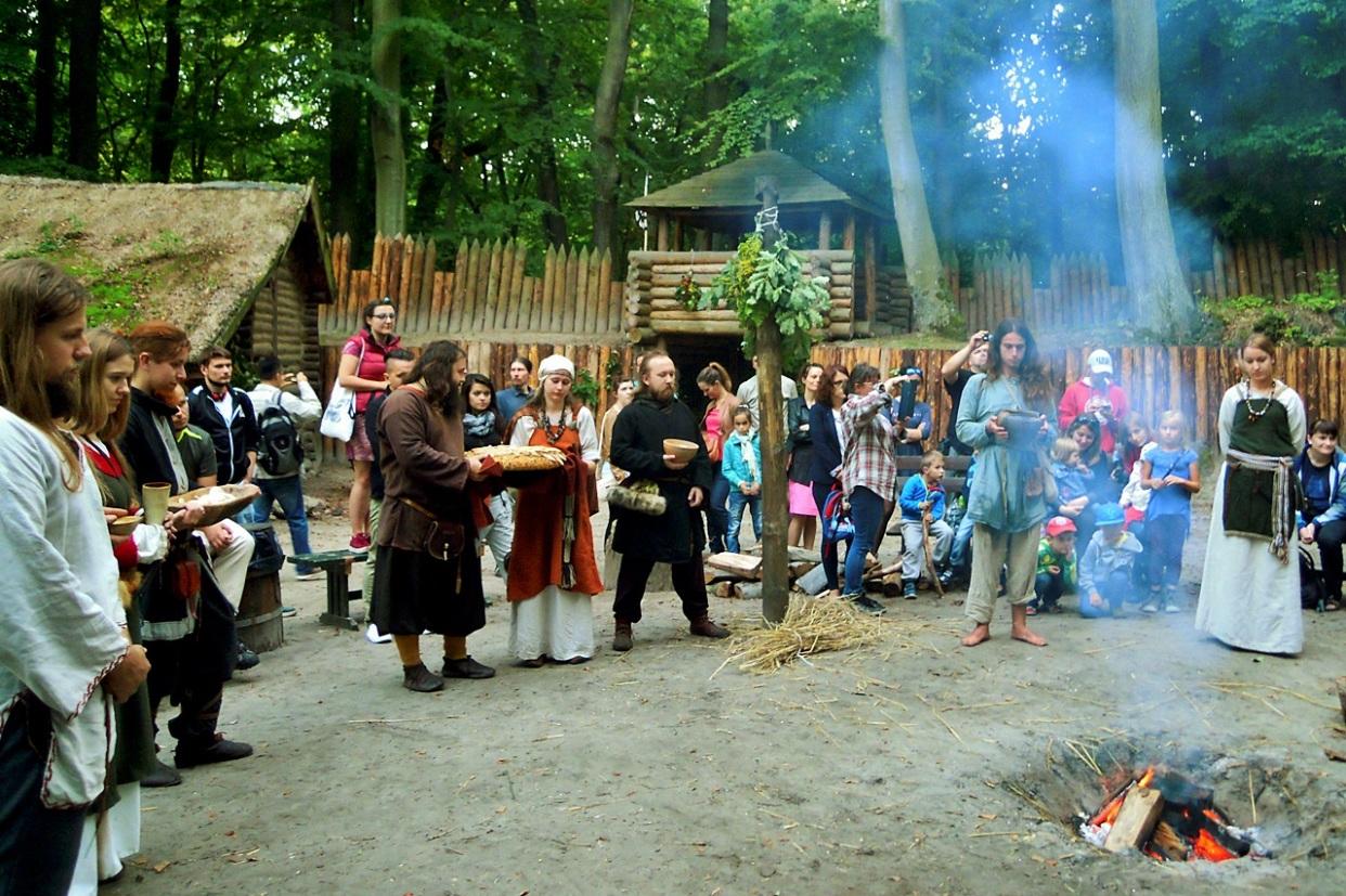 Poznaj dawne słowiańskie obrzędy. Święto Plonów na Grodzisku w Sopocie