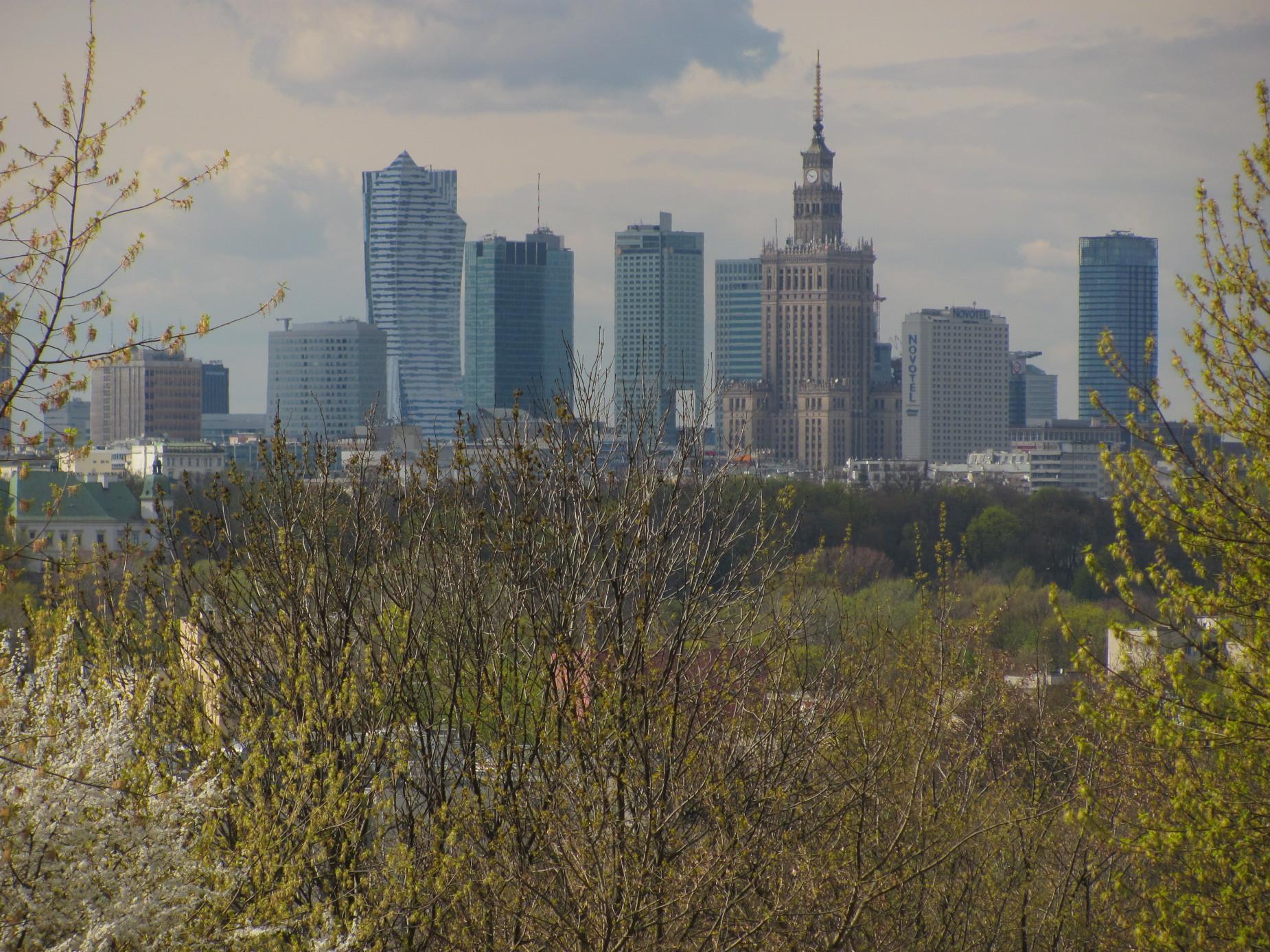 Dwa miasta odrodzone niczym feniks z popiołów. O powojennej odbudowie Gdańska i Warszawy dowiesz się na wykładzie on-line