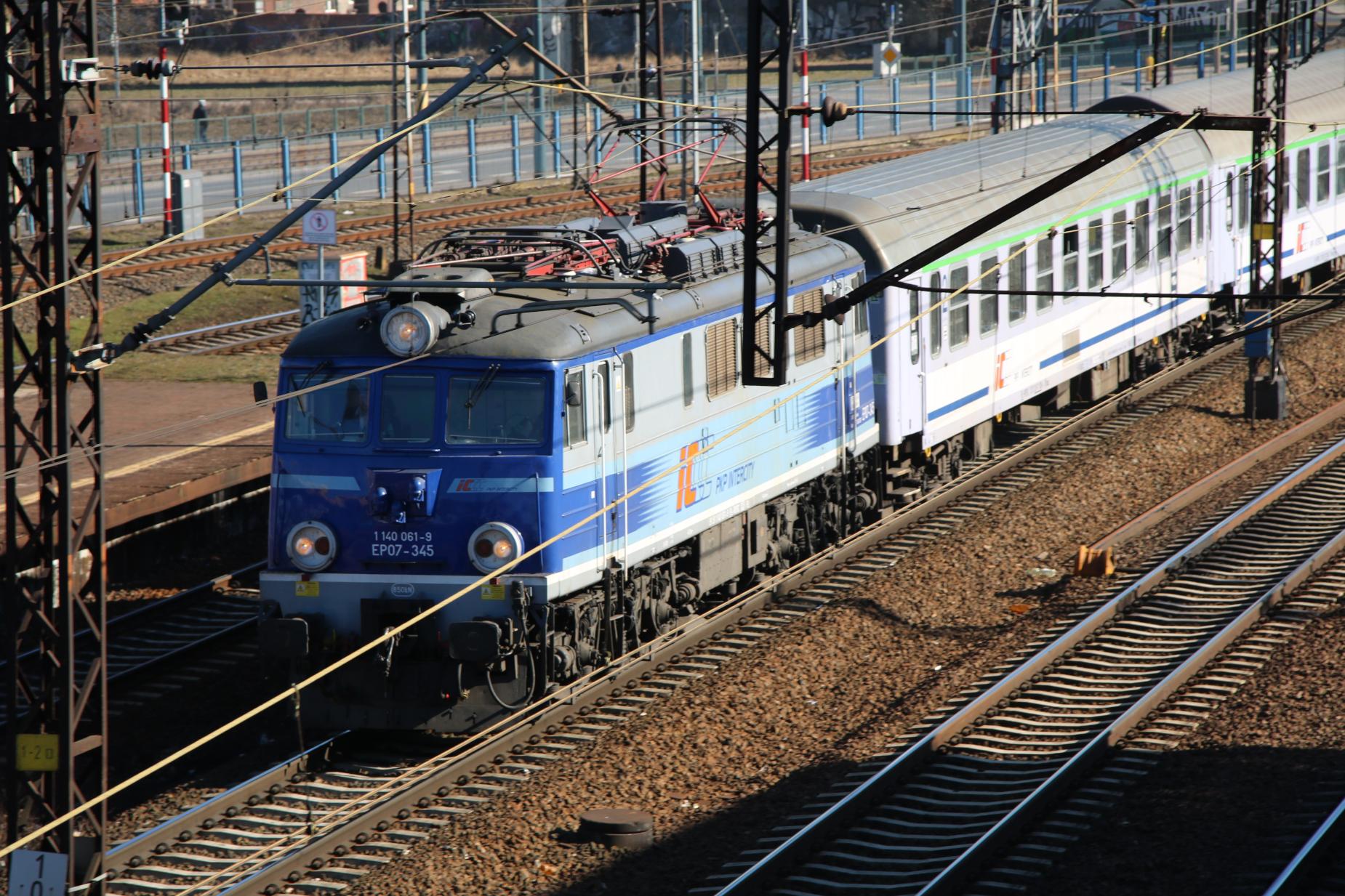 Koronawirus. Kolej zawiesza połączenia z Pomorza do Czech, Austrii, Niemiec i na Słowację [AKTUALIZACJA]