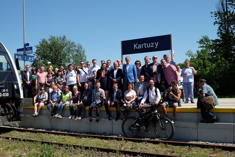 """""""Modernizacja tego odcinka ma sens"""". Samorządowcy popierają odtworzenie połączeń kolejowych z Kokoszek do Kartuz"""