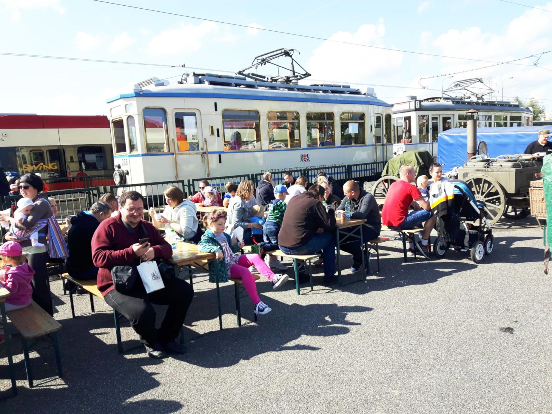 Symulator autobusu i zabytkowe tramwaje. A do tego pojazdy ratownicze i liczne konkursy z nagrodami. Komunikacyjny festyn na gdańskim Chełmie
