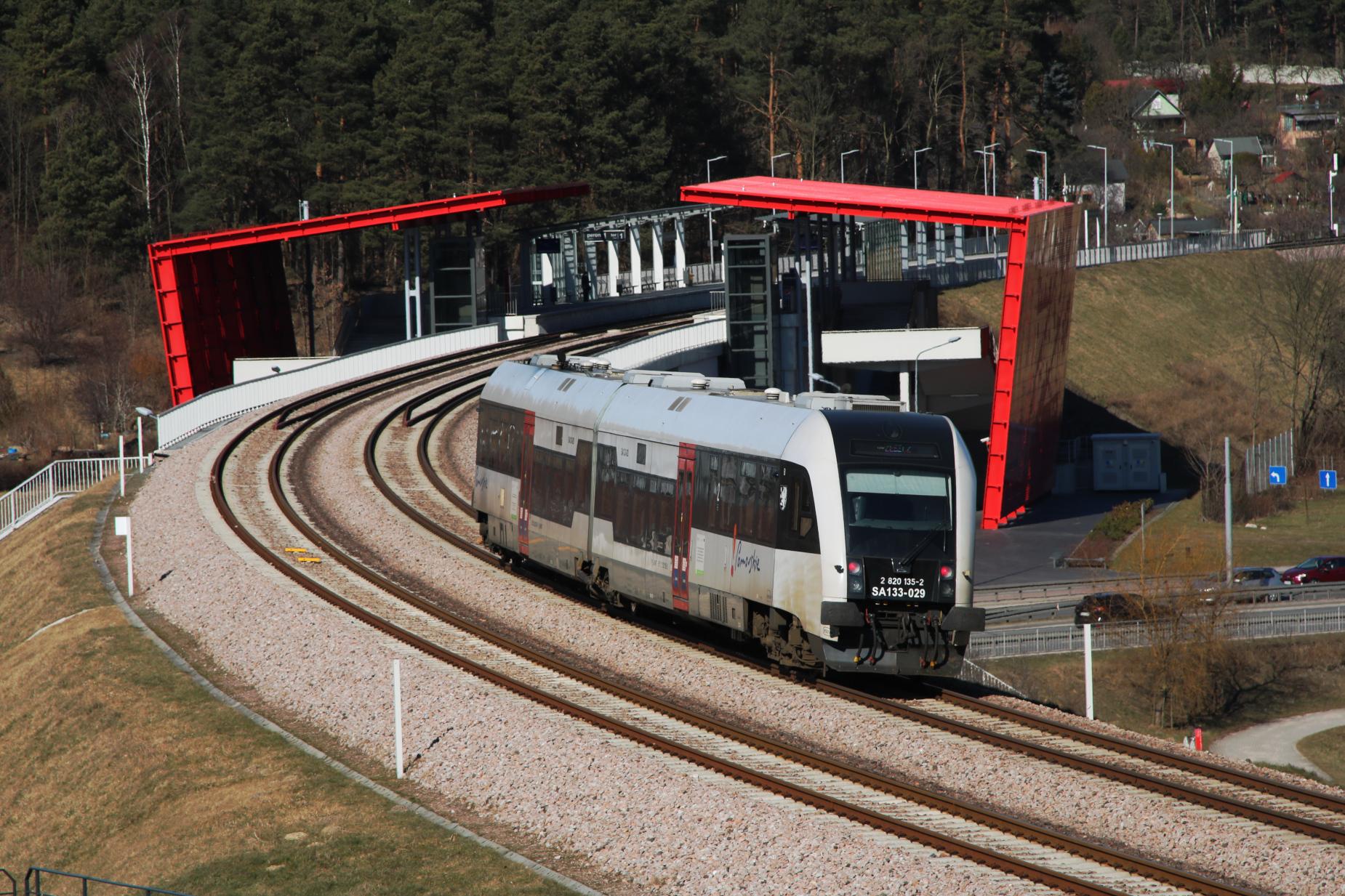 Pasażerowie zgłaszają, samorząd województwa reaguje. Będzie więcej pociągów na linii Pomorskiej Kolei Metropolitalnej