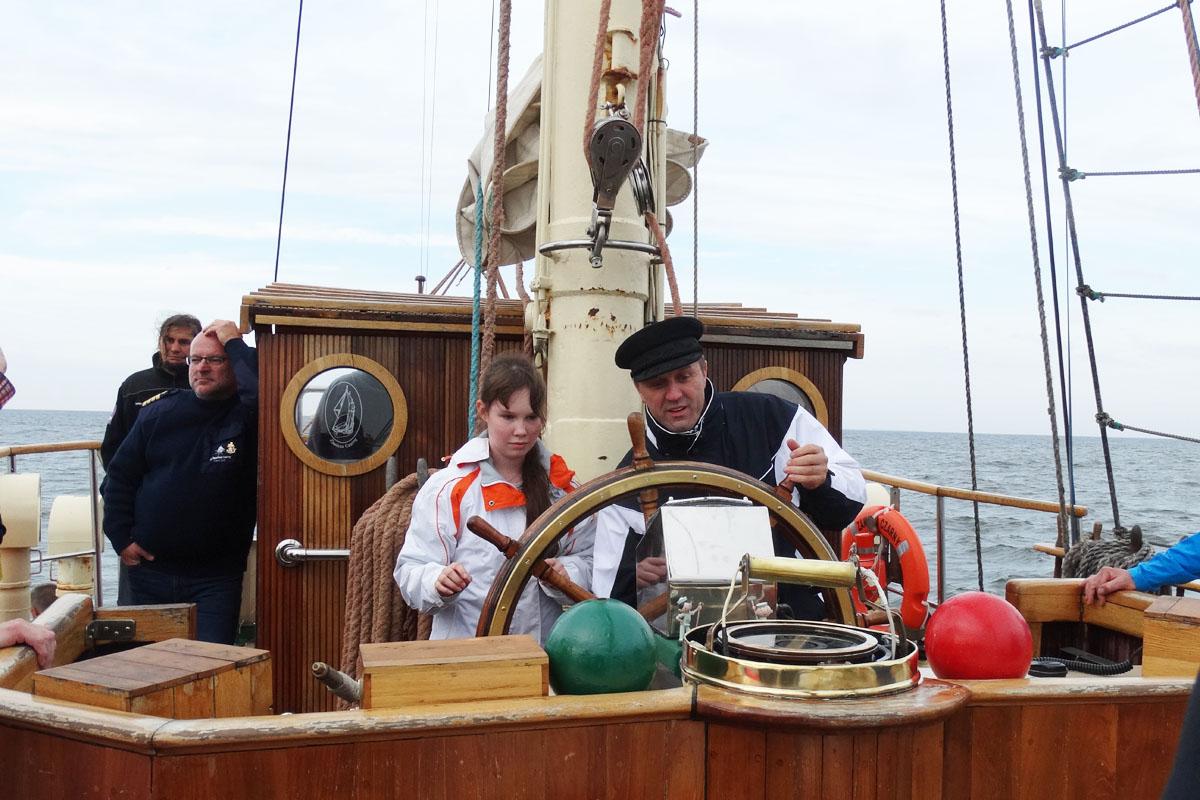 Zawisza Czarny wyruszył w rejs Do granic Niepodległej. Na pokładzie 18 uczniów z Pomorza [ZDJĘCIA]