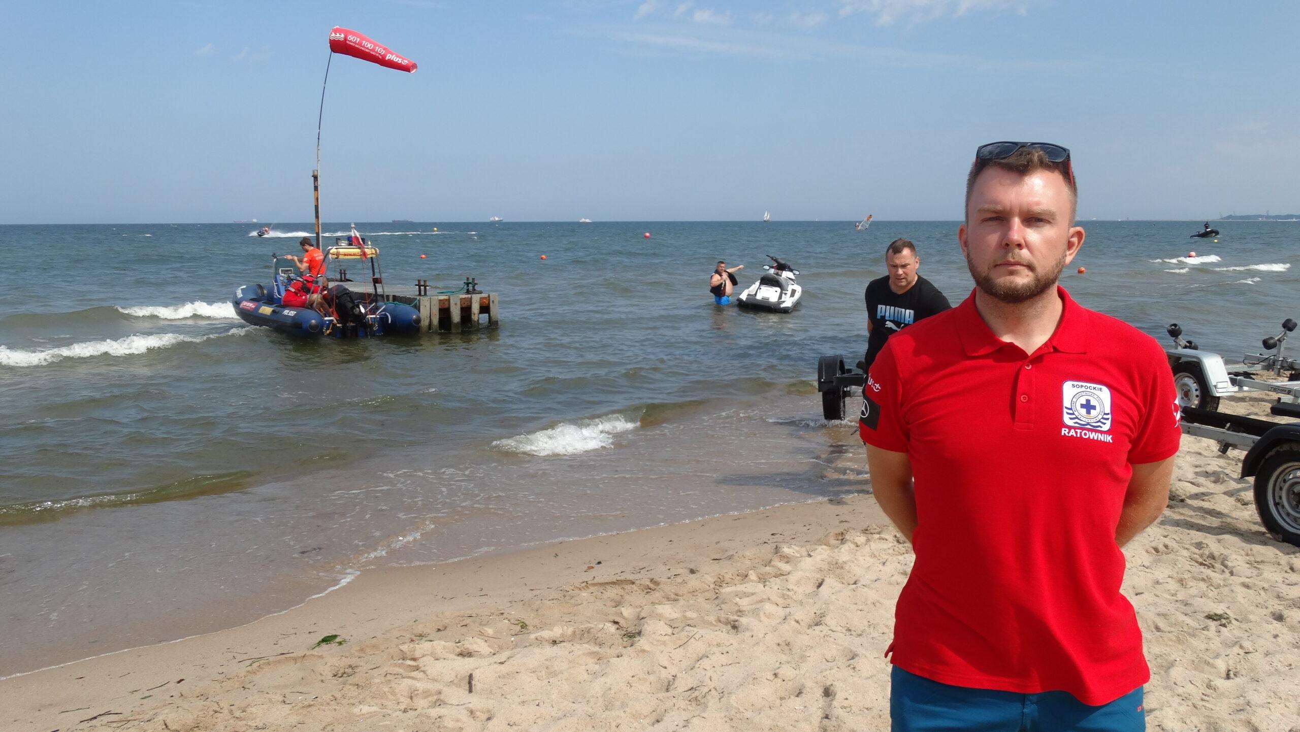 """Wakacje nad wodą? """"Bezpieczeństwo to ostatnia rzecz, o jakiej myślimy, planując urlop"""" mówi ratownik WOPR"""
