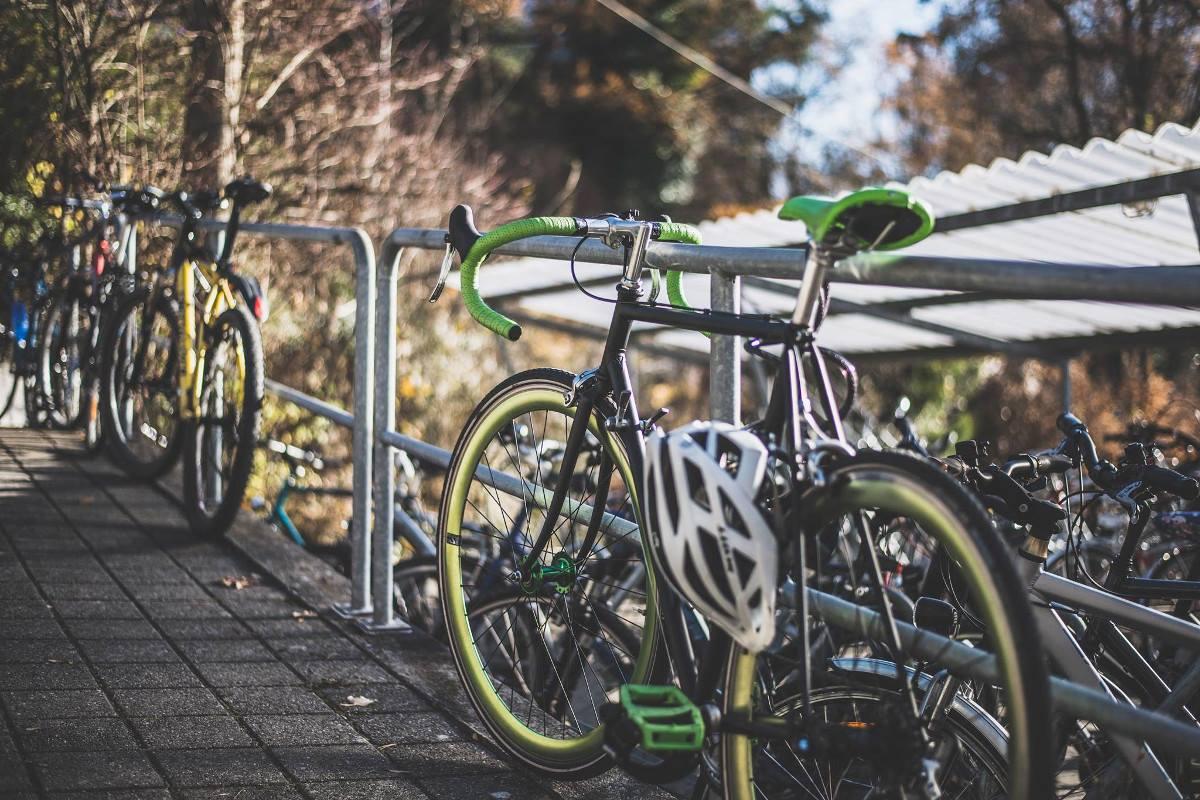 Bagaż na kilkudniową wyprawę rowerową. Sprawdź, co ze sobą zabrać [PORADNIK]