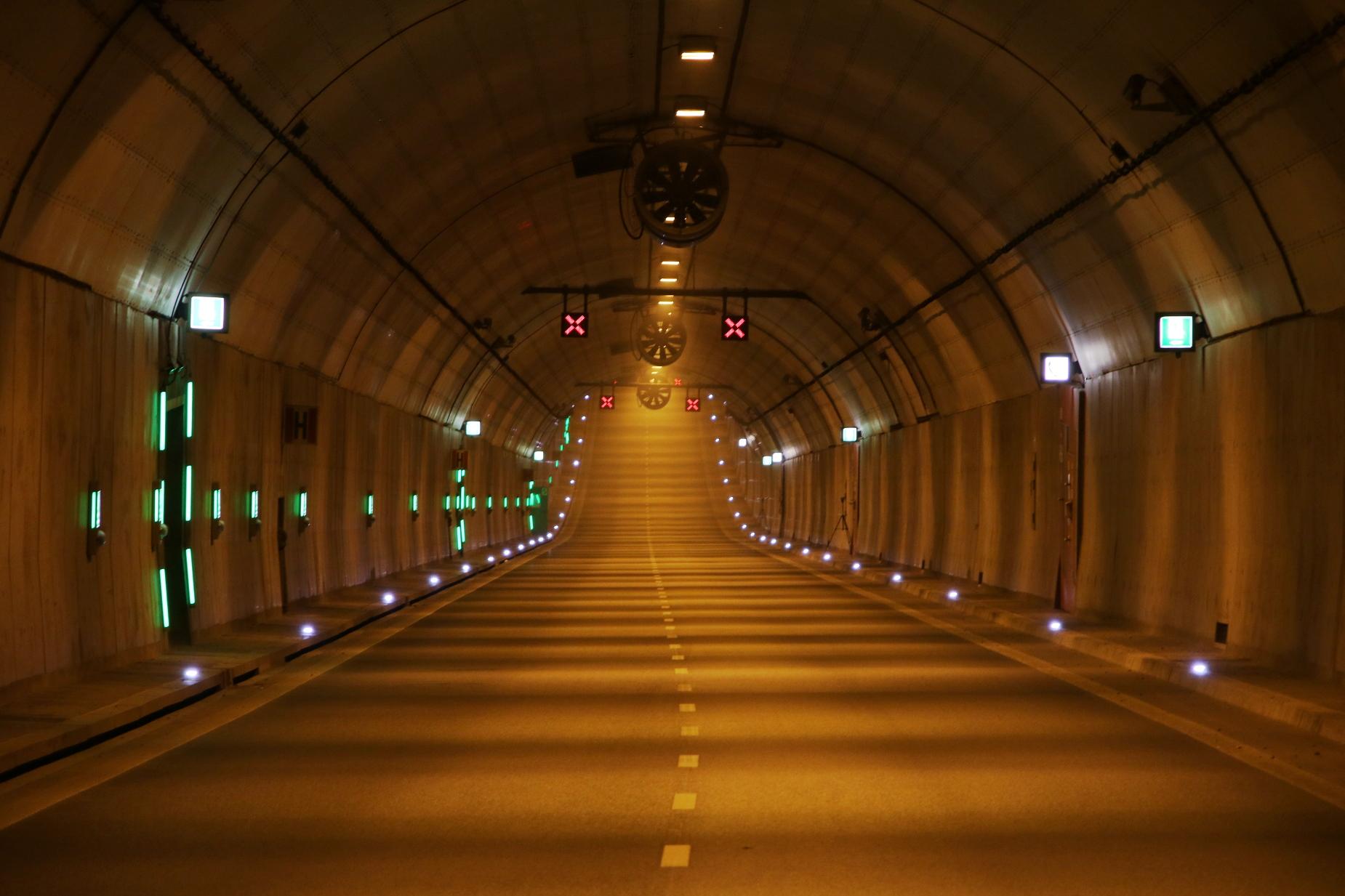 Rowerem pod wodą? Tak! Rowerowy przejazd na jubileusz tunelu pod Martwą Wisłą