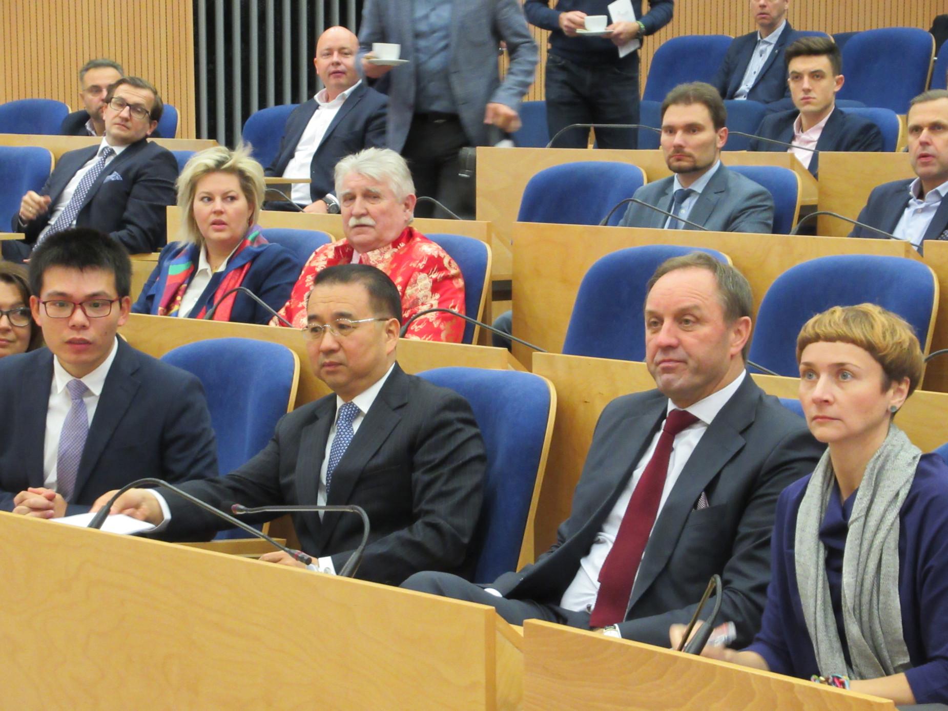 Inicjatywa Pasa i Drogi zainteresowała pomorskich przedsiębiorców. Spotkali się z ambasadorem Chin