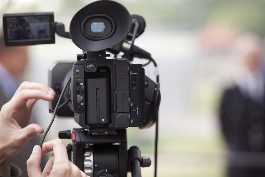 Spróbuj swoich sił w filmie. Zostań reżyserem lub aktorem. Zapisz się na bezpłatne warsztaty filmowe w Ustce i Słupsku