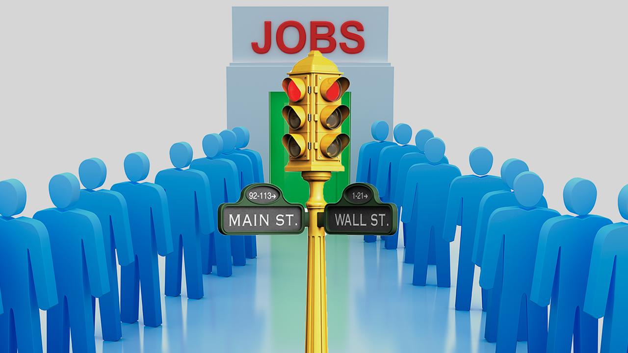 Pierwsze symptomy efektów odmrażania gospodarki na rynku pracy