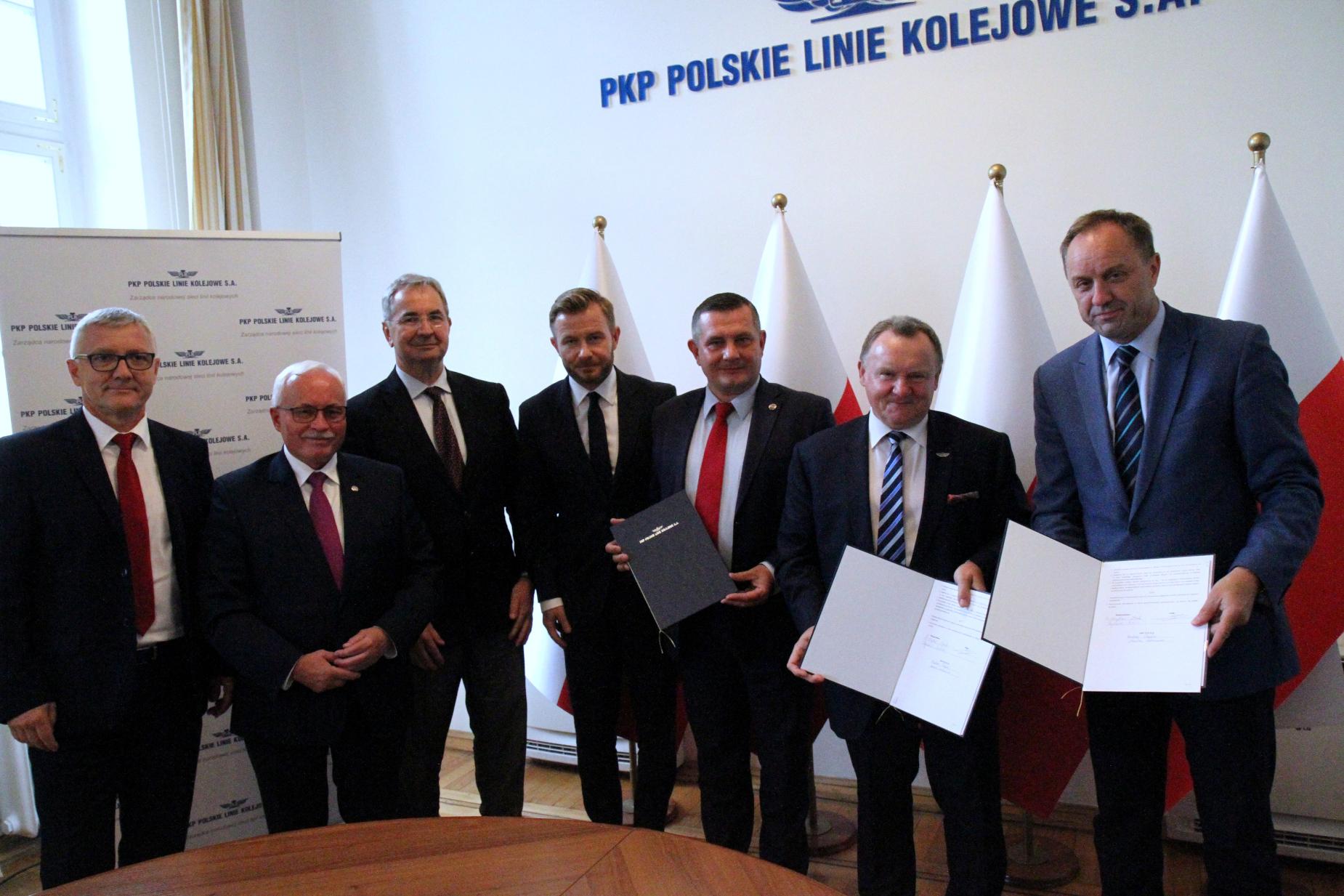 Reaktywacja linii kolejowej z Gdańska do Kartuz przez Starą Piłę coraz bliżej. Trójstronne porozumienie w Warszawie