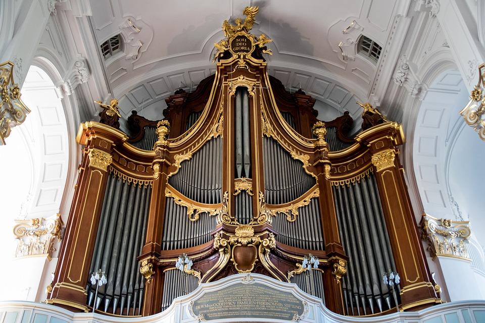 Wieczorne koncerty organowe w Jastarni. To impreza w ramach Gdańskiego Lata Muzycznego