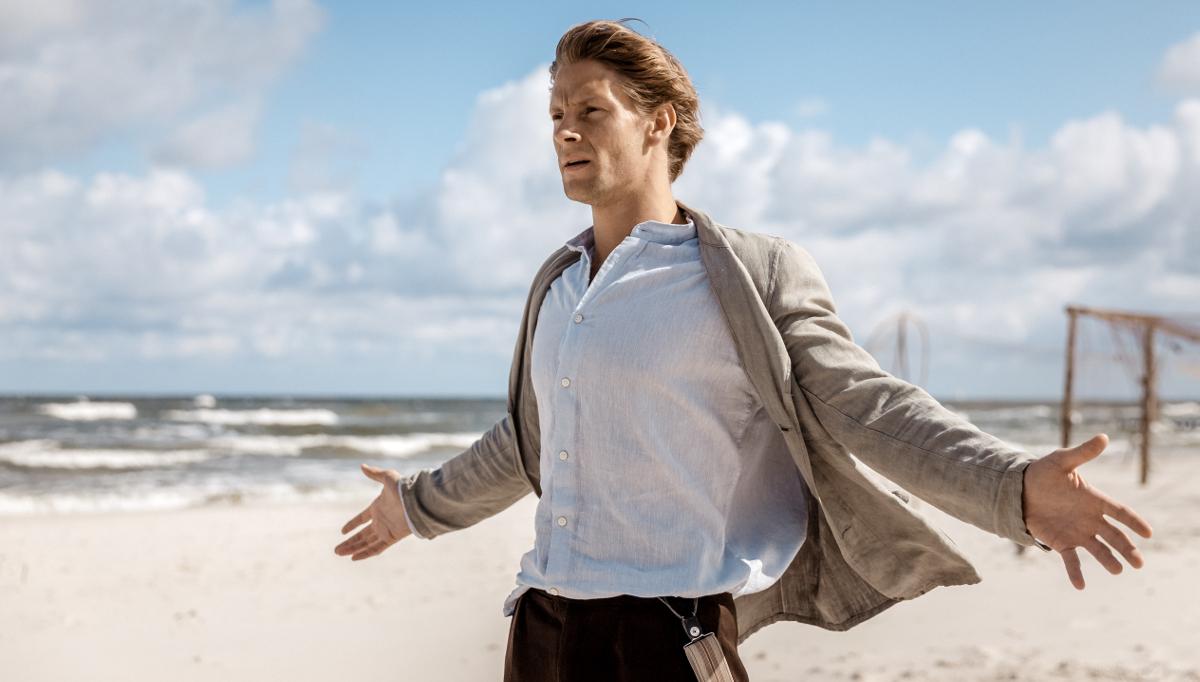 """Widzowie gorąco przyjęli """"Kamerdynera"""" na festiwalu filmowym w Gdyni. Film Bajona już w kinach"""