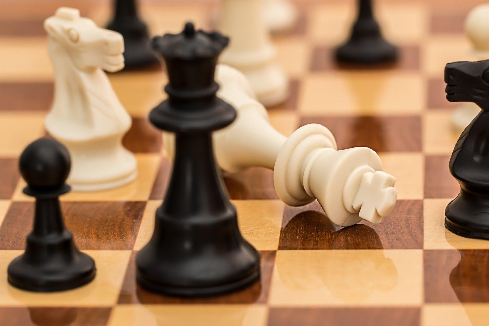 Nietypowy turniej szachowy dla uczniów szkół podstawowych. Odbędzie się w Internecie. Zgłoszenia trwają do 23 kwietnia