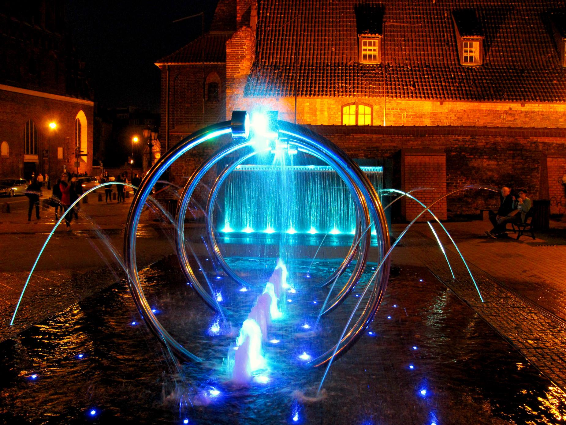 Woda, światło i dźwięk. Wyjątkowe koncerty na 50 kościelnych dzwonów i fontannę