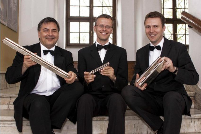Muzyka klasyczna, standardy jazzowe i swingowe, przeboje muzyki rozrywkowej i muzyka… ludowa. Garden Party u Karola