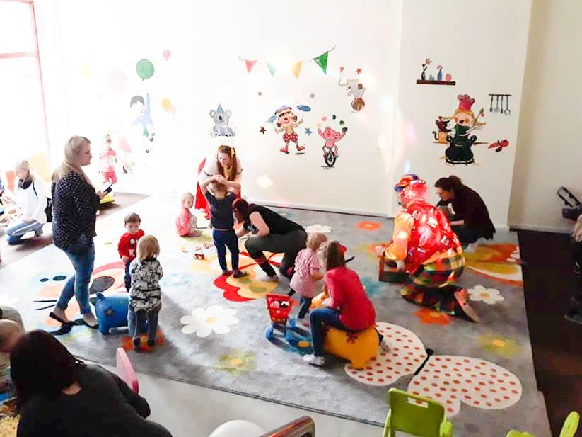 Opieka nad dziećmi w przedszkolu, terapia rozwoju [Fundacja Podaruj Odrobinę Szczęścia]