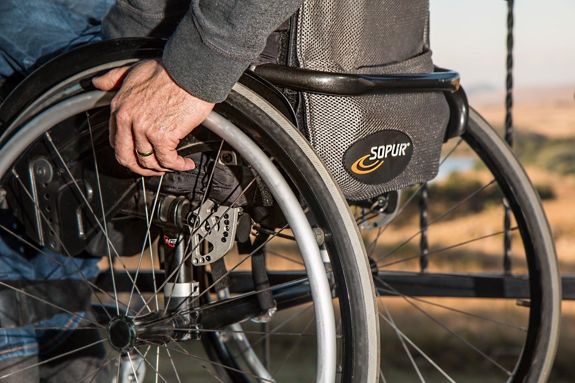 """""""PFRON wspiera Ciebie"""" – pakiet rozwiązań dla osób z niepełnosprawnościami [INFORMACJA]"""