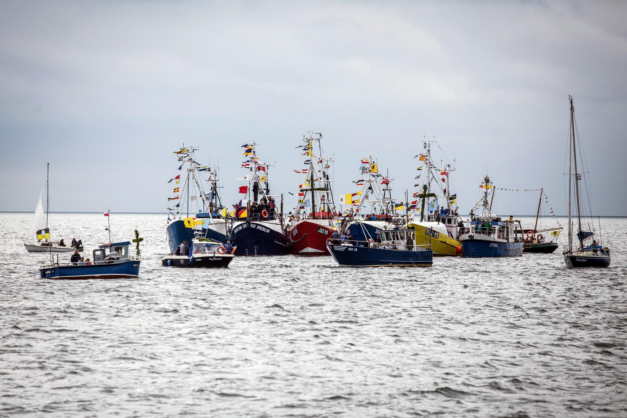 Msza na kutrach, łodziach, jachtach i motorówkach? Jedyna niezwykła Morska Pielgrzymka Rybacka