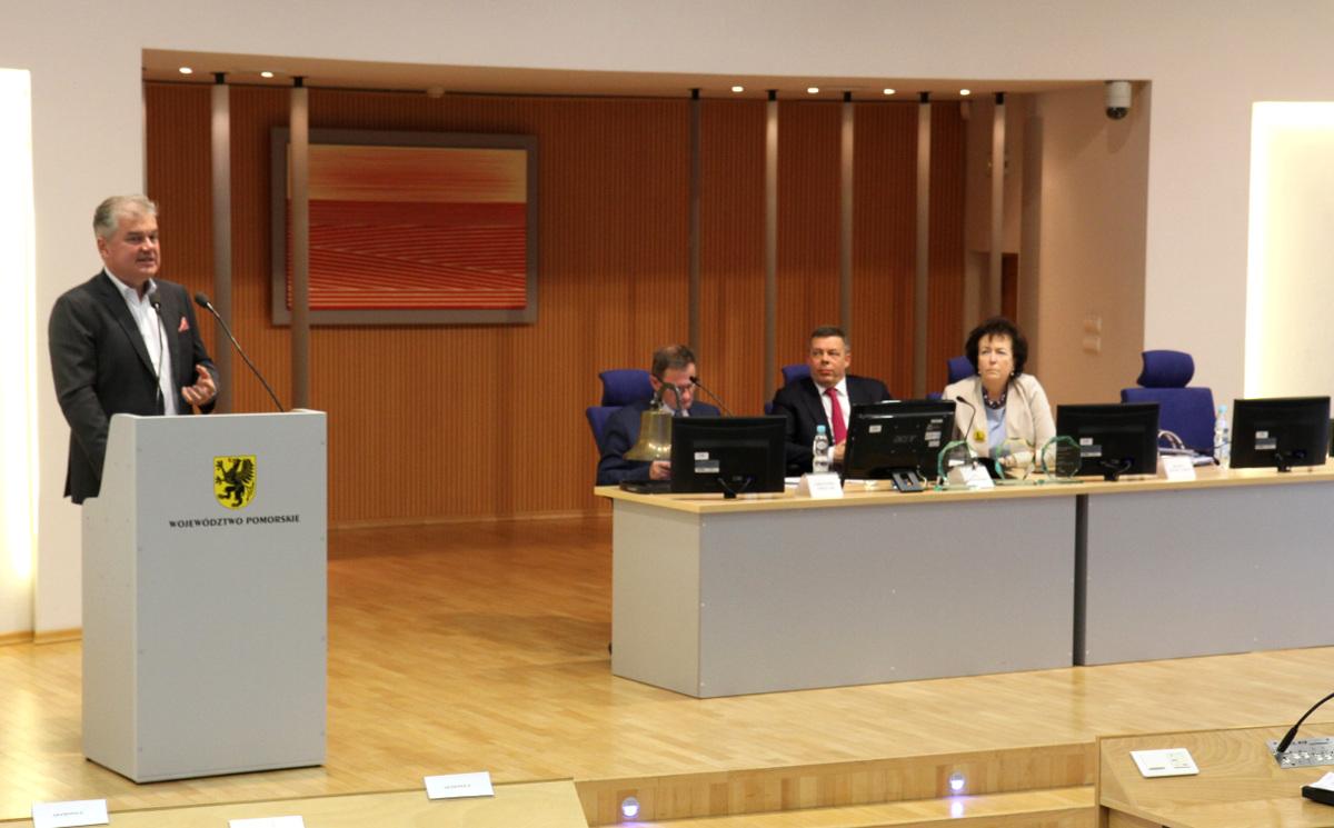 Pomorskie liderem w ochronie zdrowia. Wyniki ogólnopolskiego badania PwC przedstawiono na sesji sejmiku